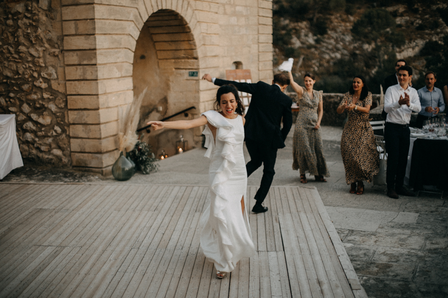 reportage photo mariage seance reportage amour love session chateau de la barben aix en provence lumiere light coucher de soleil-273