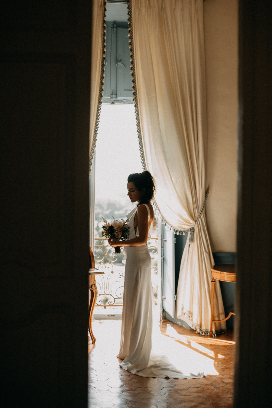 reportage photo mariage seance reportage amour love session chateau de la barben aix en provence lumiere light coucher de soleil-46