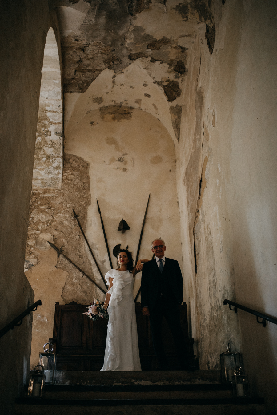 reportage photo mariage seance reportage amour love session chateau de la barben aix en provence lumiere light coucher de soleil-54