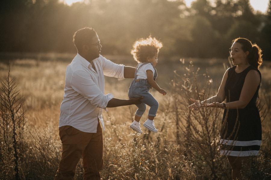 Photographe lifestyle lyon coucher de soleil sunset famille enfants seance photo-26