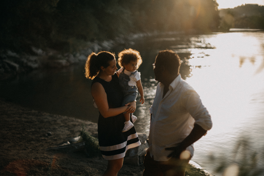 Photographe lifestyle lyon coucher de soleil sunset famille enfants seance photo-30