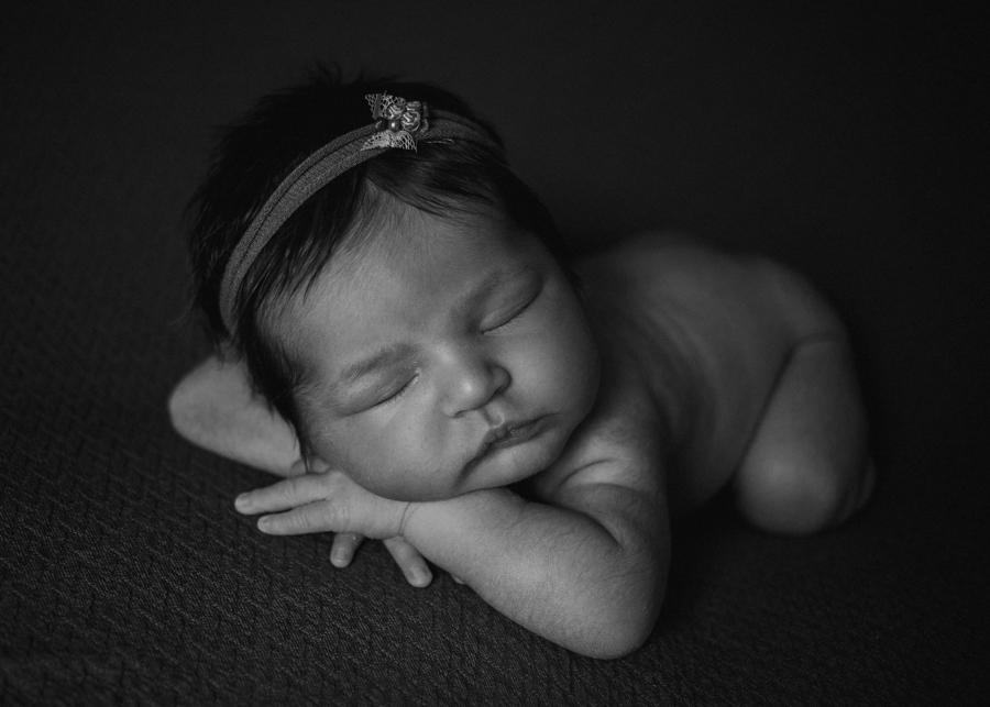 photographe bebe nouveau-ne naissance nexborn posing lyon-11