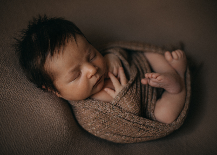 photographe bebe nouveau-ne naissance nexborn posing lyon-2