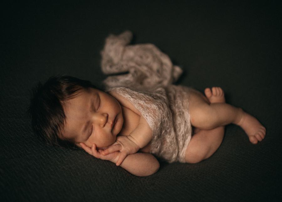 photographe bebe nouveau-ne naissance nexborn posing lyon-7