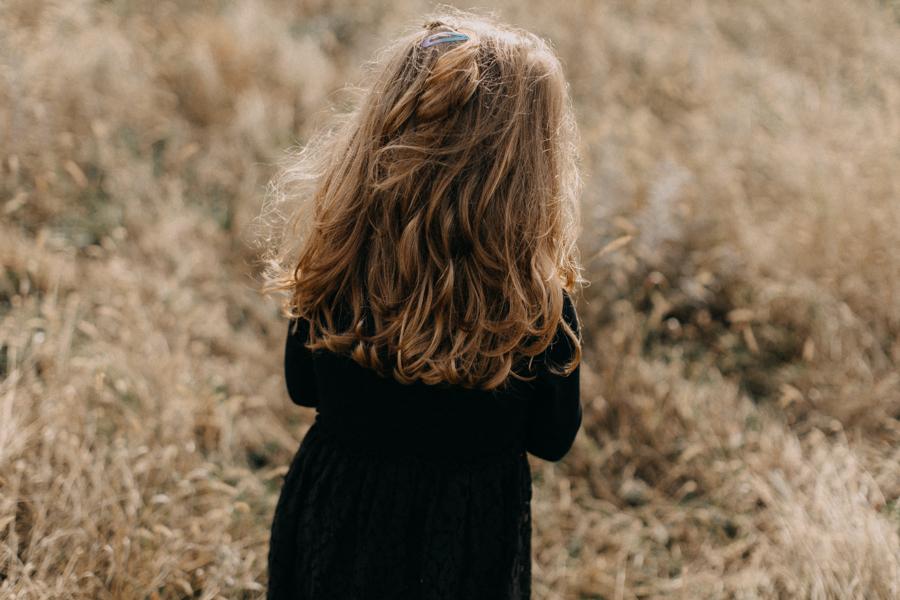 photographe famille seance photo lifestyle lyon automne fall lumiere rouge orange bebe-16
