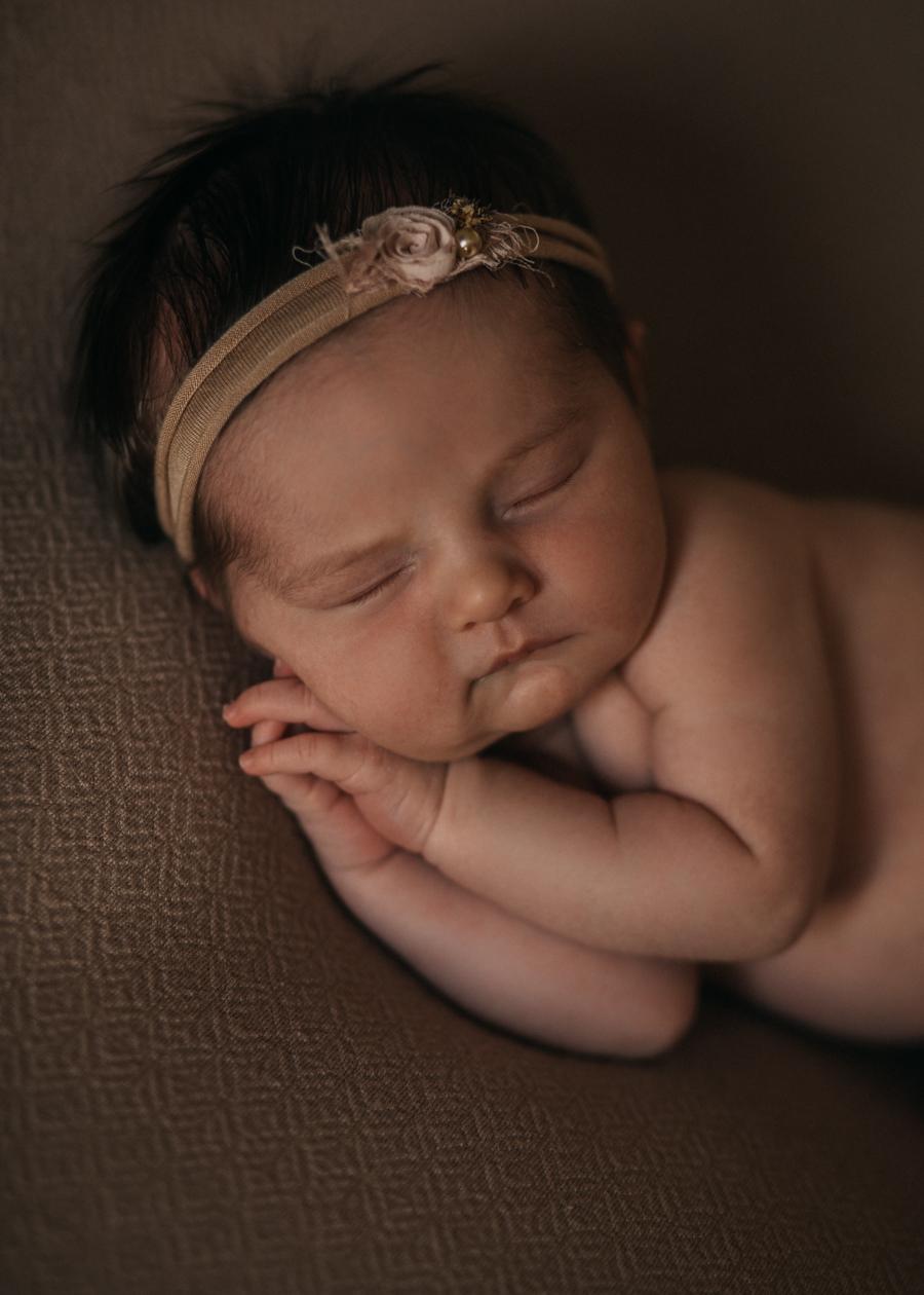 photographe nouveau-ne bebe newborn posing lyon seance photo naissance-3